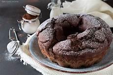 ciambellone con crema pasticcera ciambellone al cioccolato con cuore cremoso ciambellone pasticceria