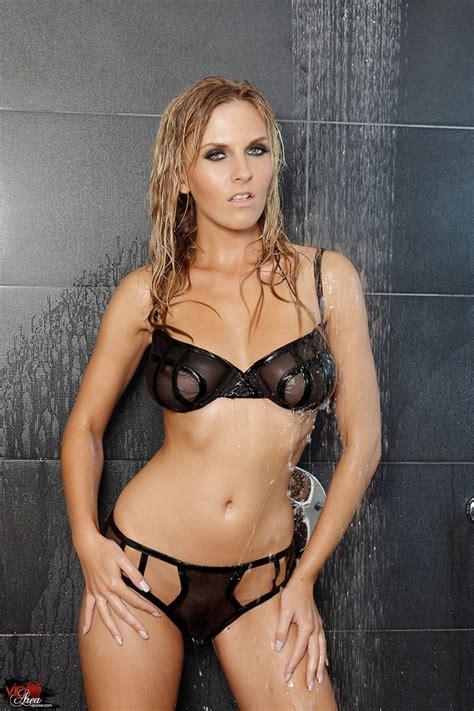 Kristen Laird Nude