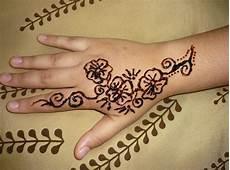 Gambar Bunga Henna Simple Gambar Bunga