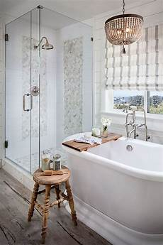 Bathroom Ideas Farmhouse by Gorgeous Farmhouse Master Bathroom Decorating Ideas 39