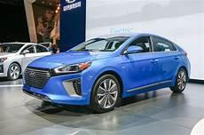 2017 Hyundai Ioniq Hits New York Delivers 110 Mile Range