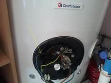 changement de chauffe eau pb chauffe eau odeur brul 233 changement couleur fil