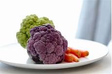 alimenti per mal di stomaco mal di stomaco 4 rimedi naturali per prevenirlo e curarlo