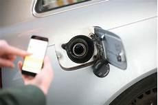 benzin statt diesel auto falsch getankt kraftstoffnotdienst berlin benzin