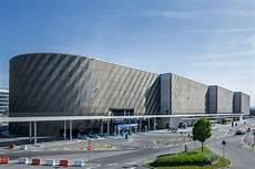 Wulf Architekten 183 Stuttgart Airport Busterminal With Car
