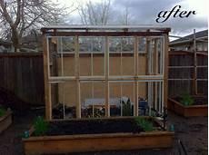 gewächshaus aus alten fenstern upcycle your garden so bauen sie ihr gew 228 chshaus nachhaltig und umweltbewusst gartenhaus magazin