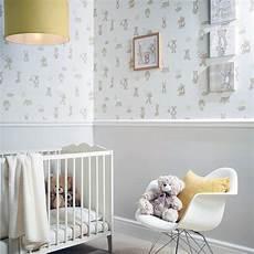tapete kinderzimmer neutral arthouse hugs teddy pattern moon nursery