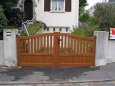 alu bois pvc portail de cl 244 ture pvc alu bois composite