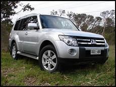 2009 mitsubishi pajero review road test photos 1 of 8