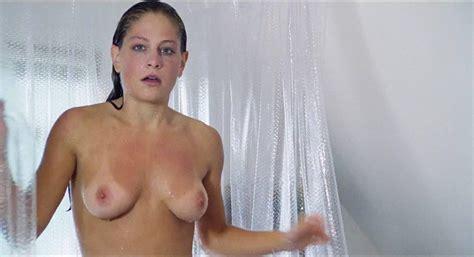 Tara Reid Boobs
