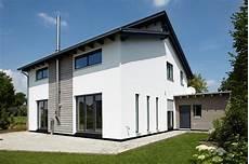 Hausfassade Gestalten Holz 3 Hausanstrich Hausfassade