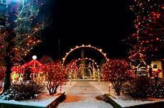 Wie Feiert Weihnachten - best small towns for lights reader s digest