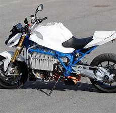 Wei 223 Blaue Fl 252 Ster Rakete Bmw E Motorrad Welt