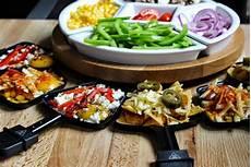 fromage pour raclette originale tolle idee f 252 rs raclette nachos mit k 228 se 252 berbacken