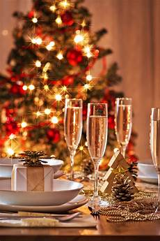 weihnachtstisch festlich dekorieren table decorations