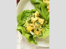 curried chicken salad with mangoes and cashews_image