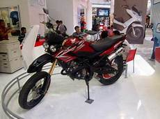 Cb150r Modif Supermoto by Honda Cb150r Modifikasi Ala Supermoto