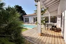 Magnifique Maison Style Cabane Avec Piscine Proche Plage A