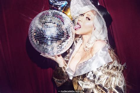 Christina Aguilera Cameltoe