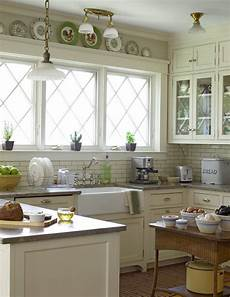 Home Decor Ideas For Small Kitchen by 35 Cozy And Chic Farmhouse Kitchen D 233 Cor Ideas Digsdigs