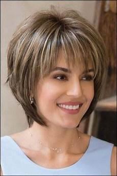 Die Sch 246 Nsten Trendfrisuren Frisuren Damen Bob 2019 Frau