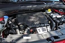 photo moteur essence 1 2 puretech 130 ch peugeot 2008