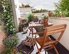 table pour petit balcon d 233 couvrez la table pliante avec notre galerie de photos