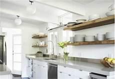 mensole in legno per cucina pin 4 mensole di legno per una cucina senza pensili
