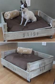 lit pour petit chien un petit canap 233 lit pour chien en palette sur roulettes