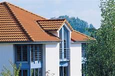 reetdach dacheindeckung mit natuerlichem kleinformatige dachplatten aus faserzement heizung