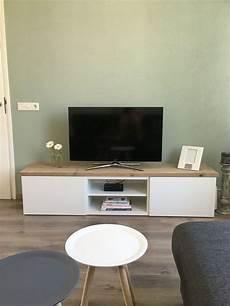 Die Besten 25 Ikea Tv Tisch Ideen Auf Ikea
