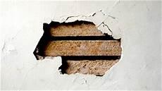 r 233 parations de trous de diff 233 rentes dimensions dans un mur