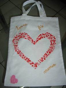 décorer un sac en tissu decoration sac en tissu cadeau fete des meres 1