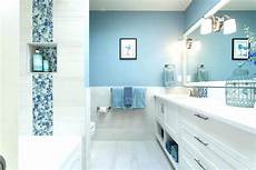 Bathroom Ideas Blue Walls by Selling Or Renovating Blue Bathrooms Like These