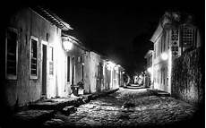 Haus Schwarz Und Weiß - kostenlose foto licht schwarz und wei 223 stra 223 e wei 223