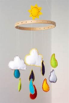 Diy Baby Mobile Regenbogen Aus Filz Alittlestyle De