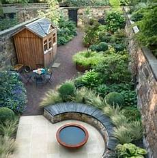 How To Handle A Narrow Garden And Style The
