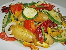 Ofengemüse Mit Kartoffeln - ofenkartoffeln mit mediterranem gem 252 se kr 228 uterjule