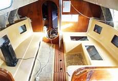interno barca a vela yacht refit gelcoat primer