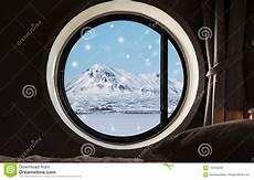 Durch Fenster Im Winter In Der Schneelandschaft In