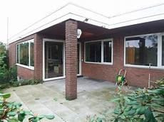 haus 70er modernisieren schlicht verpackt energetische sanierung eines bungalows in bielefeld bauhandwerk