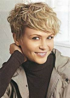 short messy hairstyle for women easy haircuts popular haircuts