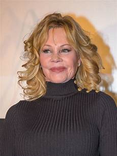 melanie griffith medium curls hair lookbook stylebistro