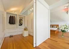 nähecke im wohnzimmer ideal f 252 r giebel innenraum als ankleide bild 3