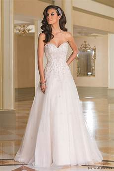 Wedding Hairstyles Strapless Dress wedding hairstyles with sweetheart neckline fade haircut
