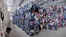 afrika zimmer gestalten how fast fashion is suffocating our wardrobes and our