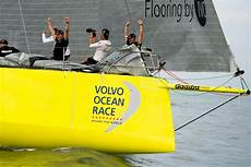 volvo race classement volvo race 2014 15 team brunel s impose au