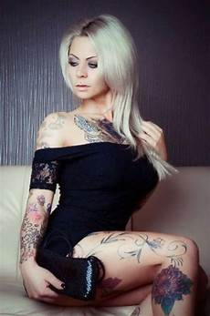hot girls with tattoos 57 pics