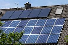 solaranlagen auf dem dach gefahren und was kosten solaranlagen photovoltaik solarthermie im