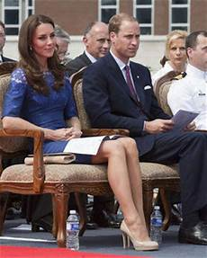 William Und Kate News - prince william and kate smile through protest daily